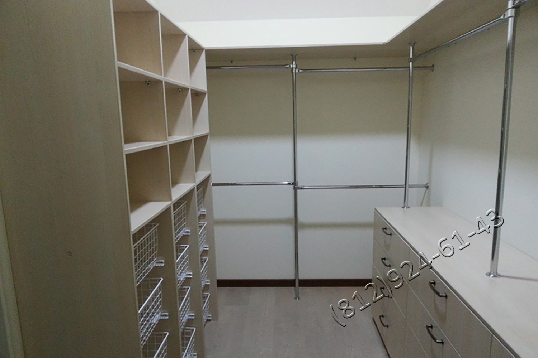 Небольшой шкаф в спальню фото